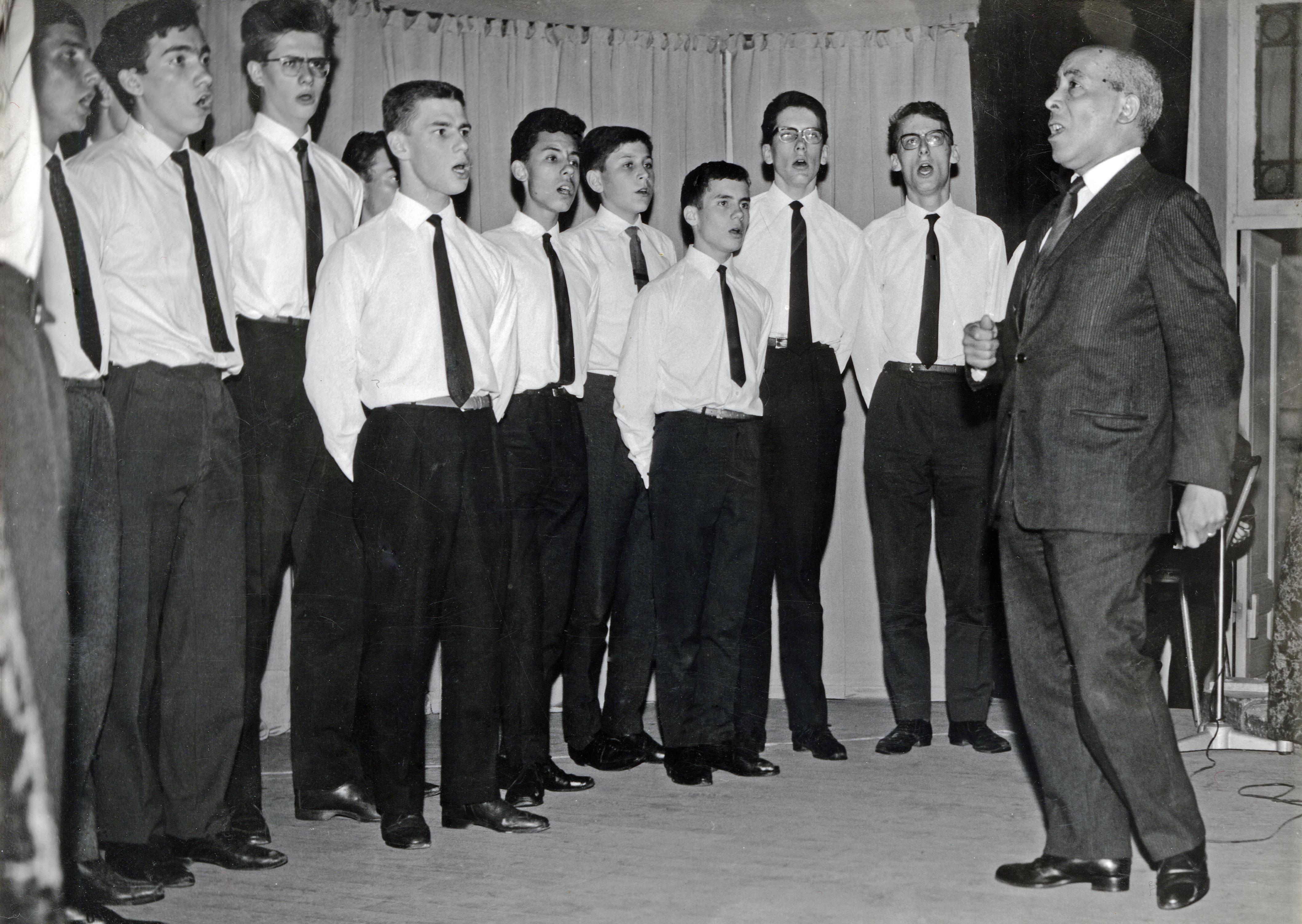 LTA dirigeant le Park Glee Club - mai 1964