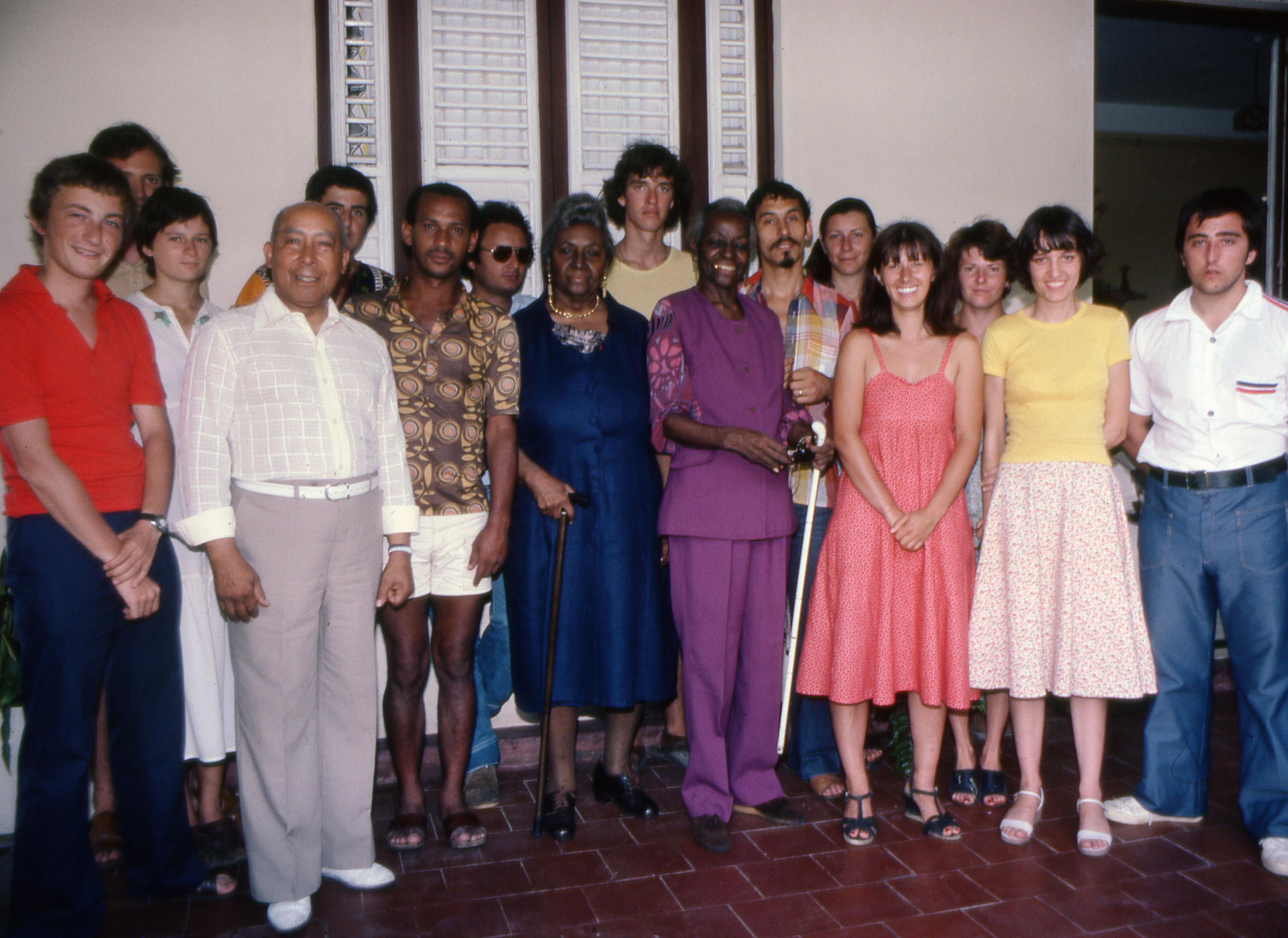 le Park Glee Club chante des Negro spirituals chez Paulette et Jane NARDAL au Morne-Rouge (Martinique) - août 1978 - accompagné de Jacques Catayé, directeur de la chorale Joie de Chanter - photo J.L. ACHILLE
