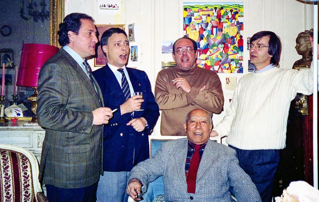 """les anciens """"River Lads"""" autour de Louis Thomas ACHILLE, au domicile de ce dernier à Lyon 6°, en 1990"""